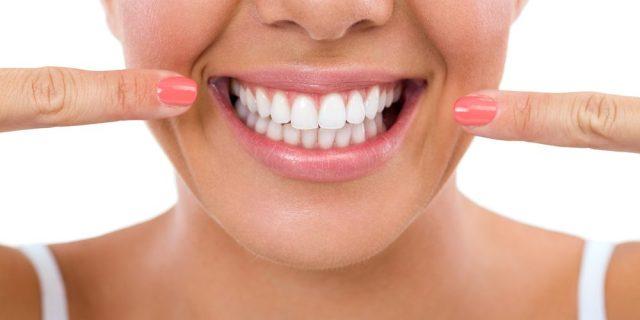 clareamento-dental-dentes-brancos-1000x500.jpg